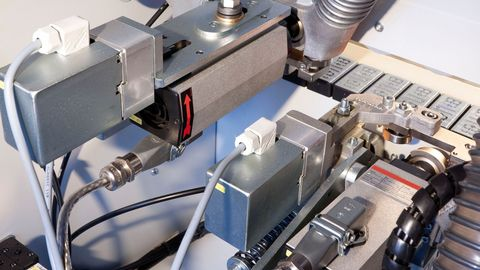 Pneumatic cutter unit